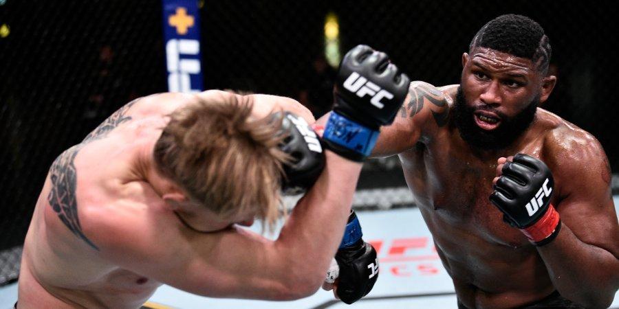 Бой Блэйдса и Льюиса возглавит кард турнира UFC 28 ноября