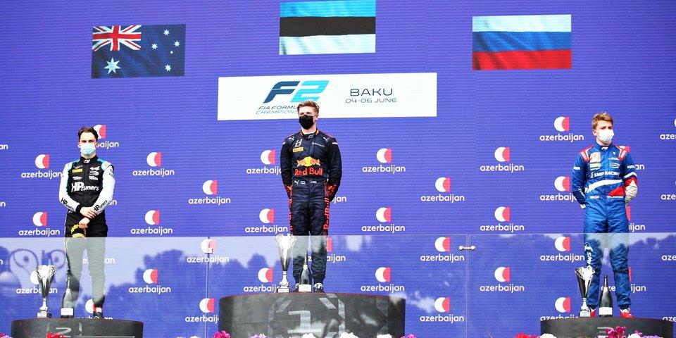Шварцман к победе добавил еще один подиум в Баку: в заключительной гонке уик-энда в «Ф-2» россиянин отыграл семь позиций (видео)
