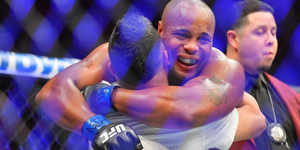 Кормье чемпион UFC в двух весовых. Он пережил ад по дороге к своему счастью