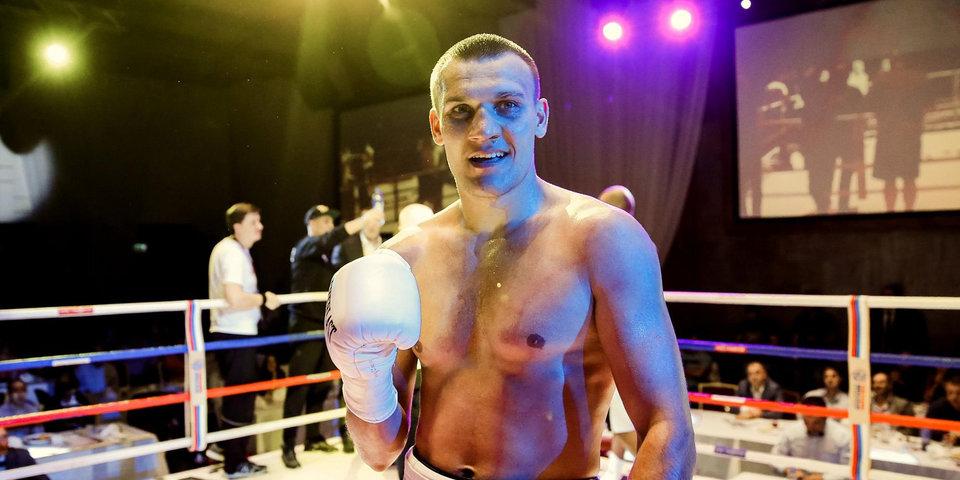 Власов досрочно победил Дейли в поединке за пояс WBA International