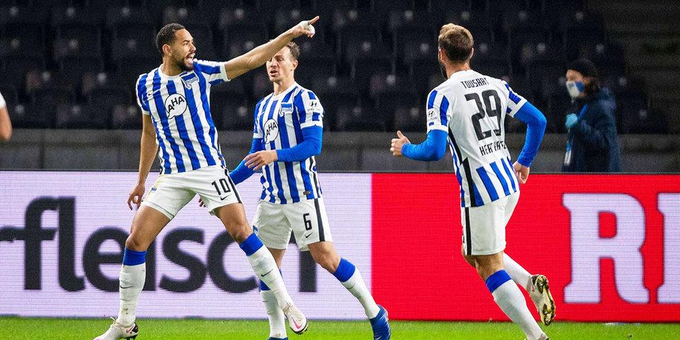 «Герта» сыграла вничью с «Арминией» в Бундеслиге. «Айнтрахт» ушел от поражения в матче «Майнцем»