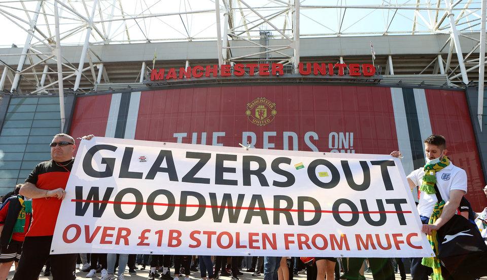 Официально: Матч между «Манчестер Юнайтед» и «Ливерпулем» перенесен