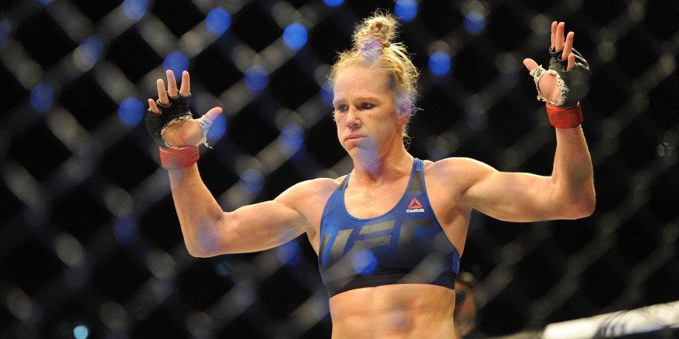 Холм не сможет выступить на UFC 243 из-за травмы