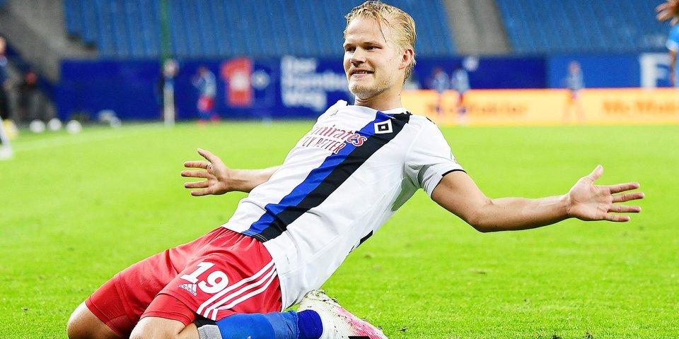 Судьи отменили гол сборной Финляндии на третьей минуте матча с Россией