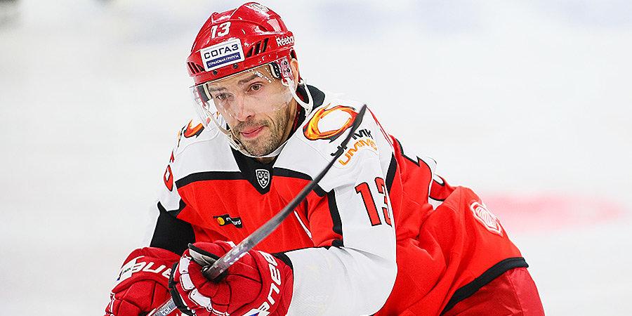 «Он еще хочет просто поиграть в хоккей». Вайсфельд — о новом контракте 41-летнего Дацюка