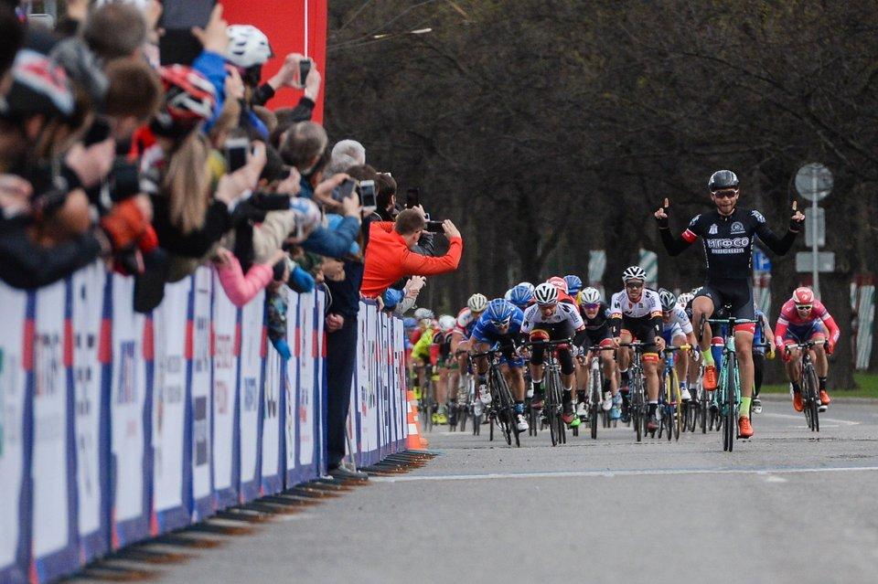 Велогонщик из Колумбии Уран выиграл 9-й этап «Тур де Франс»