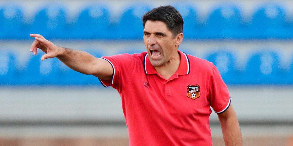 «В Корее тренер сначала наорет, а потом как двинет в грудь кулаком». Легенда «Урала» о футболе 90-х