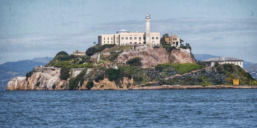 Тюрьма «Алькатрас», круизный лайнер, церковь и театр. Самые необычные места, принимавшие киберспортивные турниры