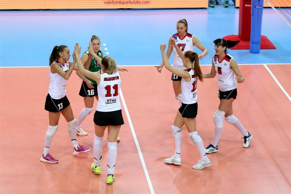 «Уралочка» одержала первую победу в Лиге чемпионов