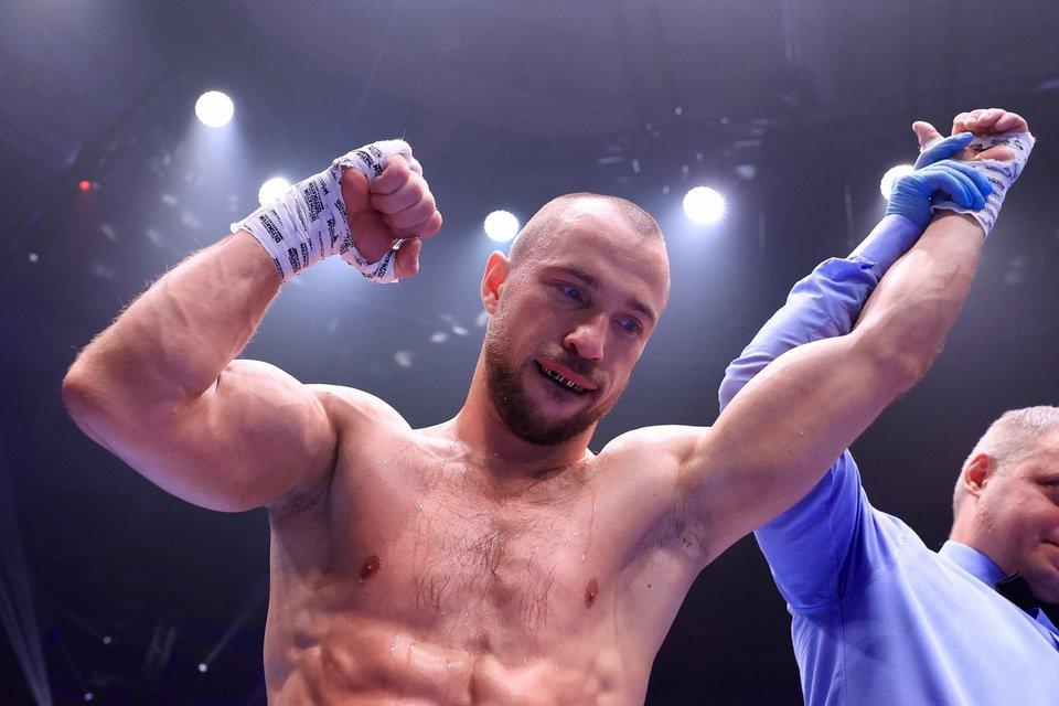 Российский боксер Беспутин отказался от поединков в Англии и США в пользу боя в Красноярске