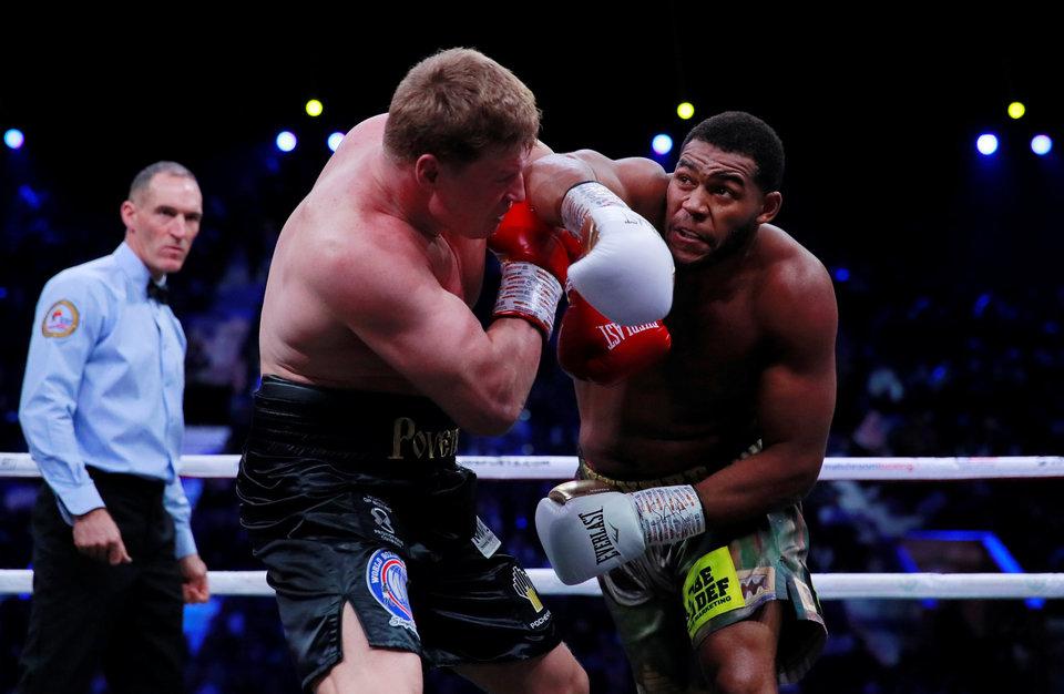 Судьи не смогли определить победителя в бою Поветкина с Хантером