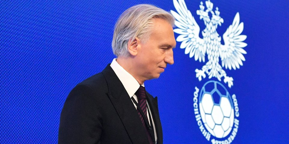 Выступление сборной на Евро признано неудовлетворительным, сменщика Черчесова назовут до старта сезона. Исполком РФС: главное