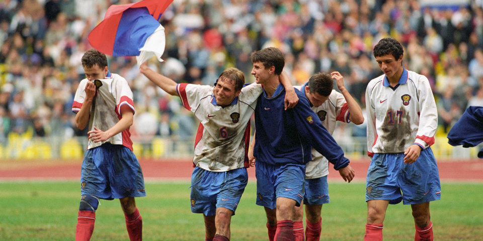 Черчесов бил пенальти, а Тотти получал по зубам от Радимова. История уникального российского тренера и его команд