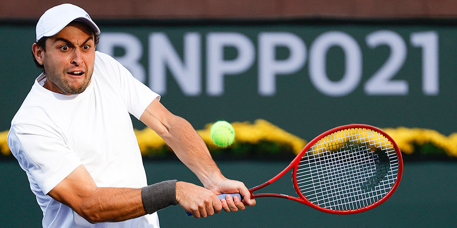 Карацев проиграл Хуркачу и не смог выйти в четвертьфинал «Мастерса» в Индиан-Уэллсе
