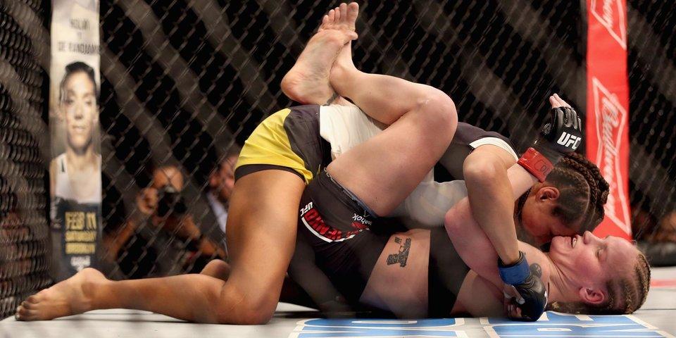 «Бой с Роузи? В нем нет смысла, моя цель — чемпионский пояс». Интервью главной девушки в UFC