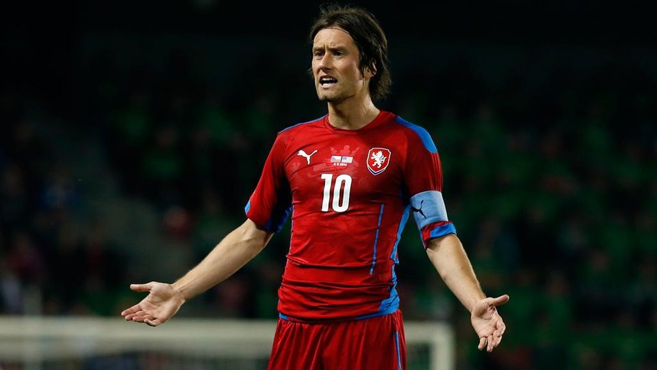 Росицки объявил о завершении карьеры футболиста