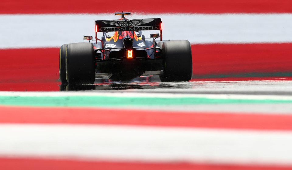 Вторая тренировка Гран-при Португалии была повторно остановлена из-за аварии Стролла и Ферстаппена