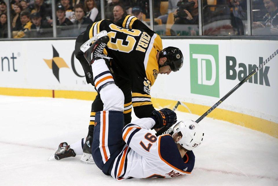 Хара установил рекорд НХЛ по количеству проведенных седьмых матчей серий плей-офф НХЛ