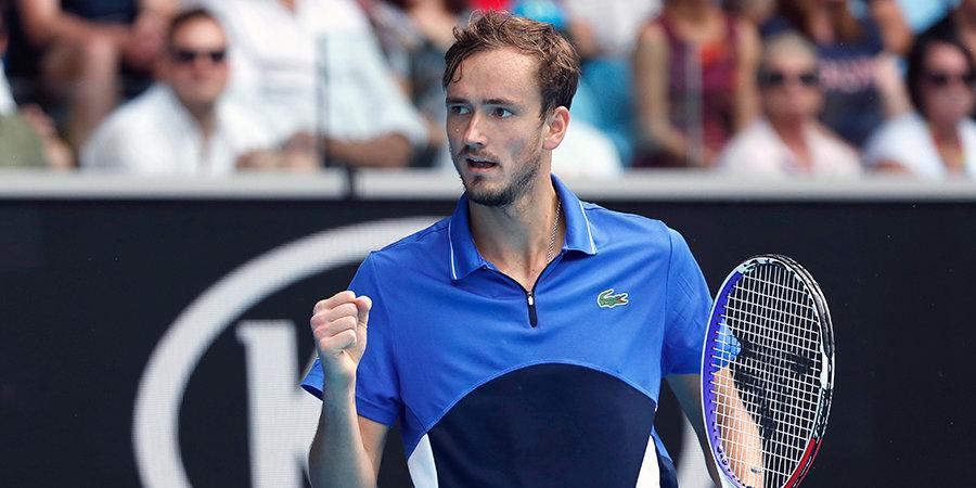 Медведев пробился в третий круг «Мастерса» в Нью-Йорке, выиграв свой первый матч после паузы