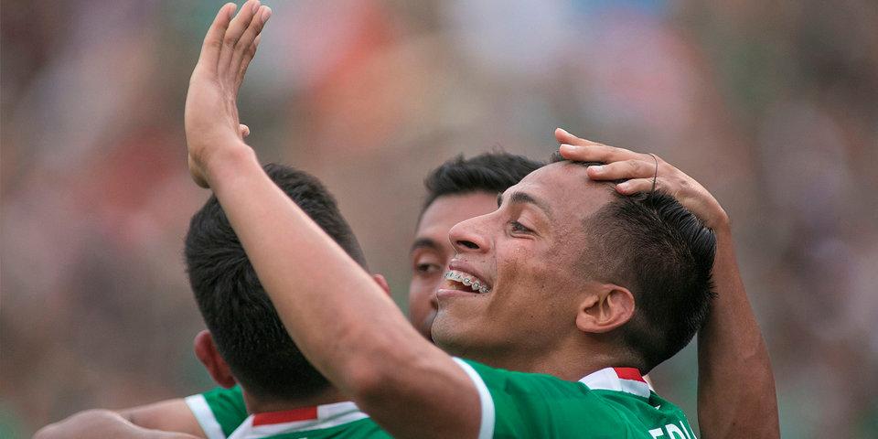 Мексика сыграет с Гондурасом в четвертьфинале Золотого кубка КОНКАКАФ