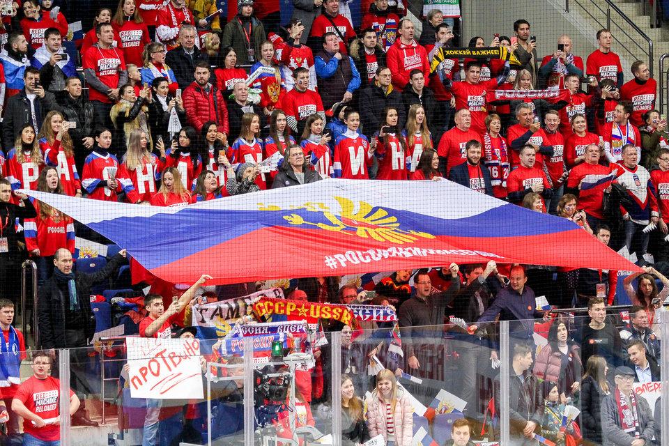 49% россиян выступили за запрет профессионального футбола в стране