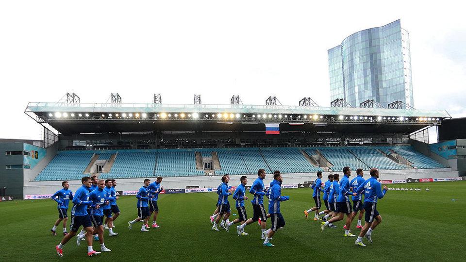 Сборная России опустилась на рекордно низкое 63-е место в обновленном рейтинге ФИФА