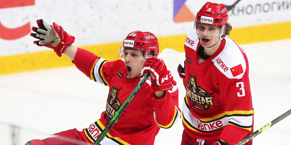 Баканов и Бакош подписали контракты с «Сочи»