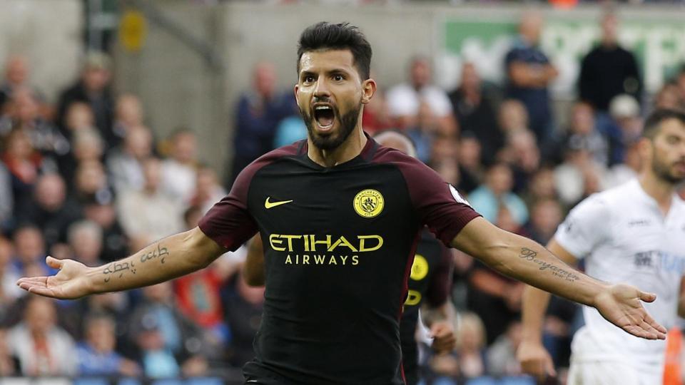 Дубль Агуэро принес «Манчестер Сити» победу в Бернли