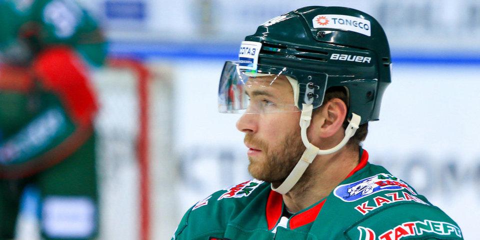Хоккеист «Ак Барса» дебютировал в профессиональном футболе