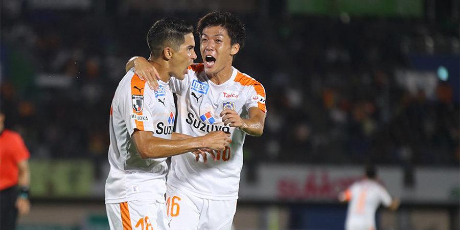 Претендент на самый необычный гол со штрафного из чемпионата Японии. Видео