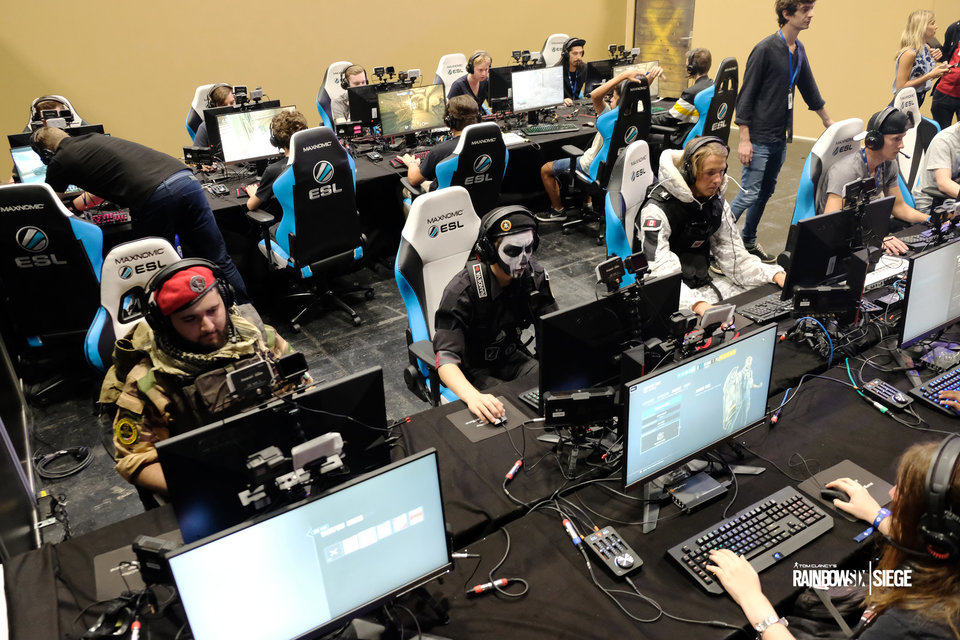 Игрок Team Empire: «В промежуток с 2019 по 2022 годы Rainbow Six обгонит CS:GO»
