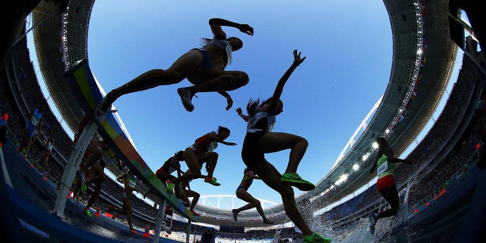 Семеня взяла золото чемпионата мира на дистанции 800 метров