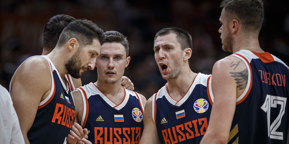 Сборной России нужно побеждать Польшу. Иначе в плей-офф ЧМ ее выведет только чудо