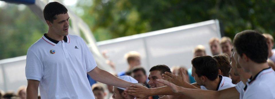 «50 процентов шуток Кириленко были неудачные». Новичок ЦСКА, который не боится президента РФБ