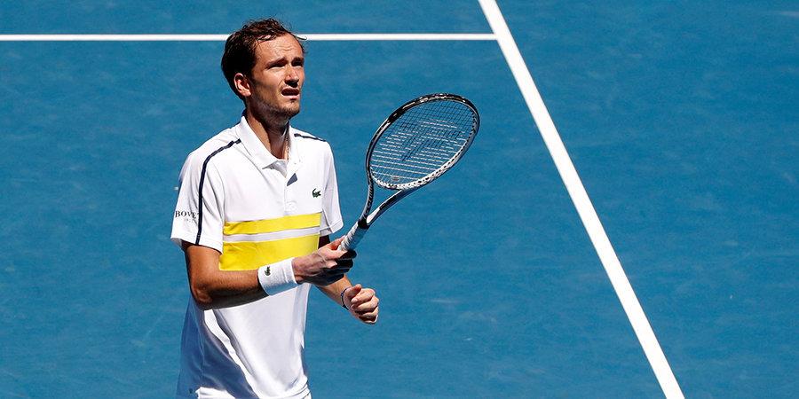 Медведев проиграл в четвертьфинале турнира в Майами