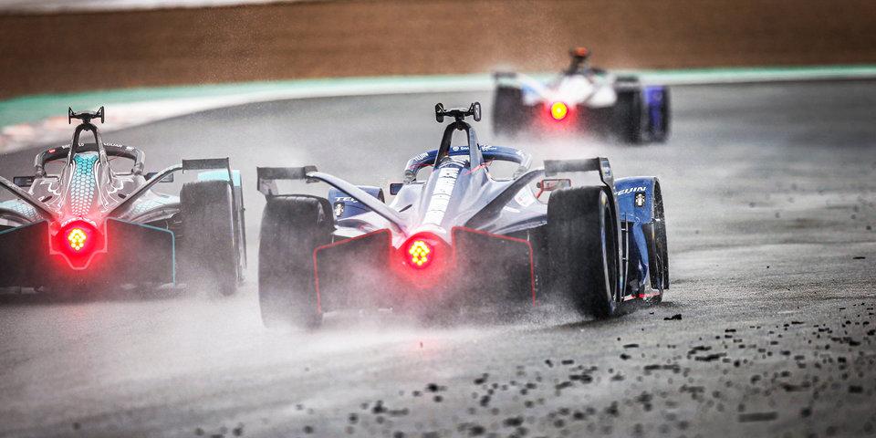 Ник де Врис стал чемпионом «Формулы-Е»