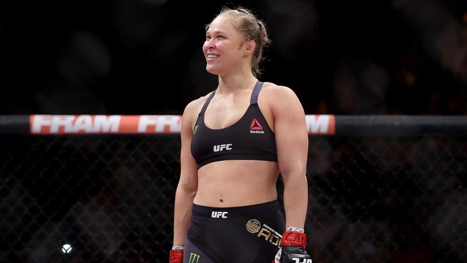 Экс-чемпионка UFC Ронда Роузи выступит в рестлинге