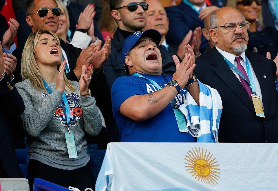 Диего Марадона посетит матч в Москве