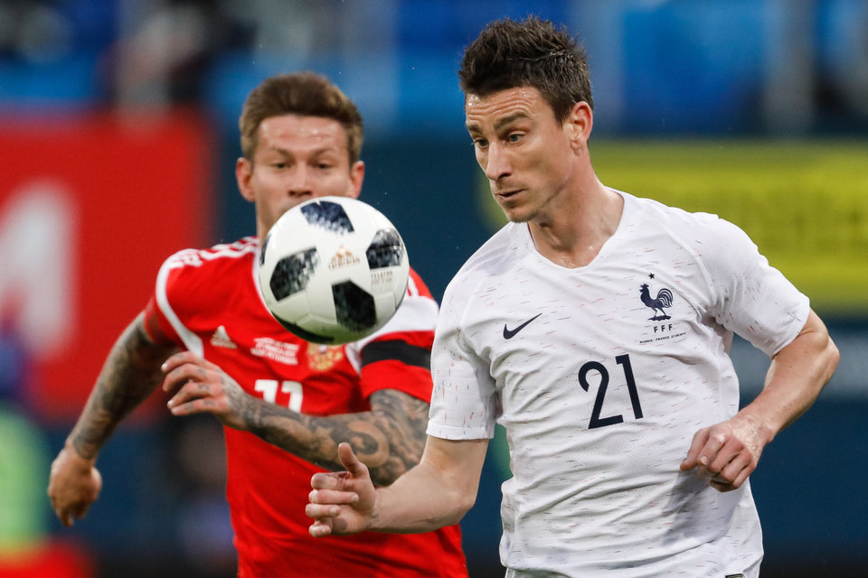 СМИ: «Боруссия» хочет заполучить капитана «Арсенала» Косельни