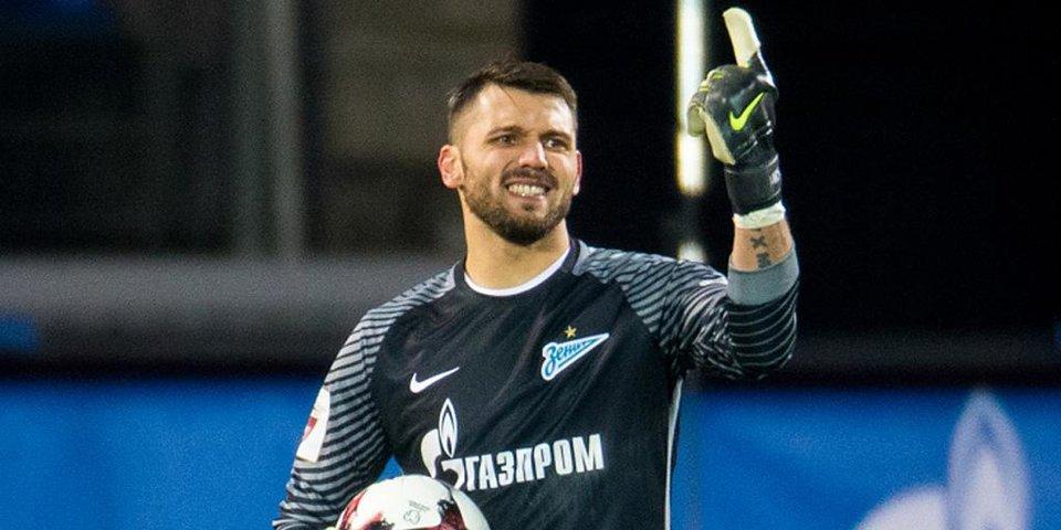 «Лодыгин сейчас резвее Акинфеева». Орлов реабилитирует вратаря «Зенита»