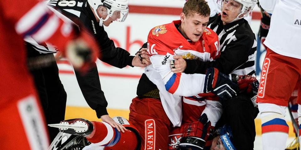 Миронов пропустит две-три игры в КХЛ из-за травмы