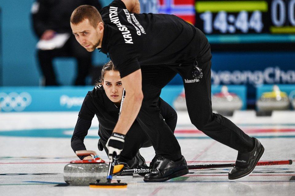 Керлингисты из России одержали четвертую победу на Играх в Пхенчхане