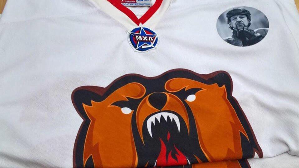 Новокузнецкие хоккеисты выйдут на матч плей-офф МХЛ в форме с портретом Гимаева