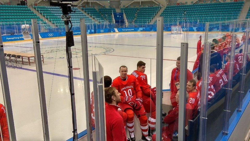 Хоккейная сборная ОАР прошла процедуру фотографирования