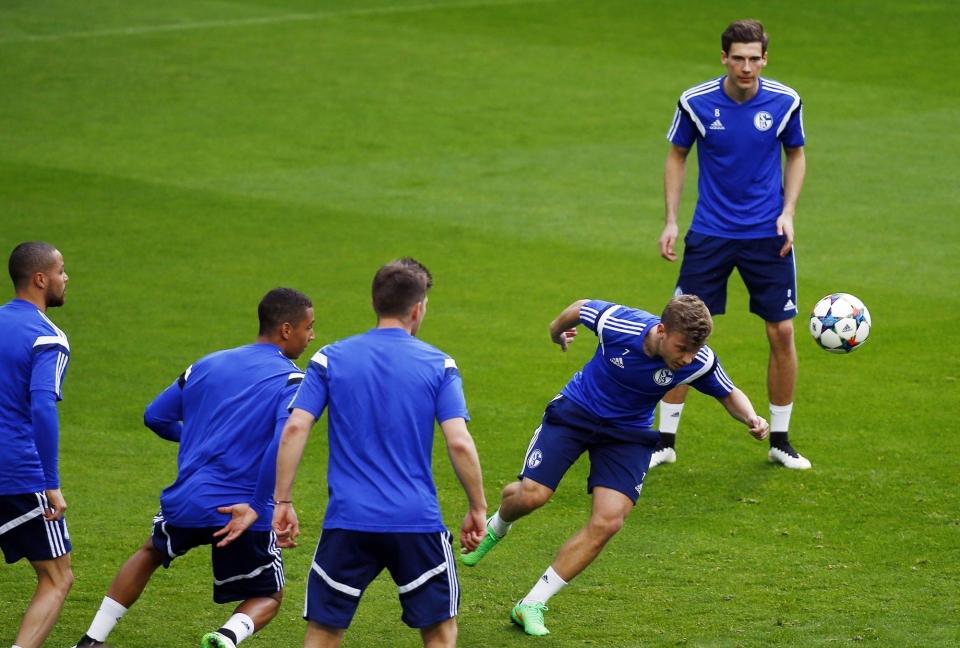 «Шальке» отчислил футболиста за критику руководства в СМИ