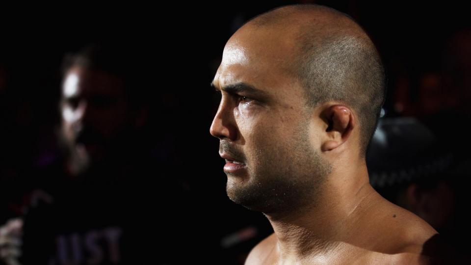 Би Джей Пенн вернулся в клетку UFC после 2,5 лет простоя и досрочно проиграл Родригезу