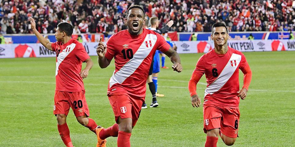 Фарфан выйдет в основе сборной Перу против Дании