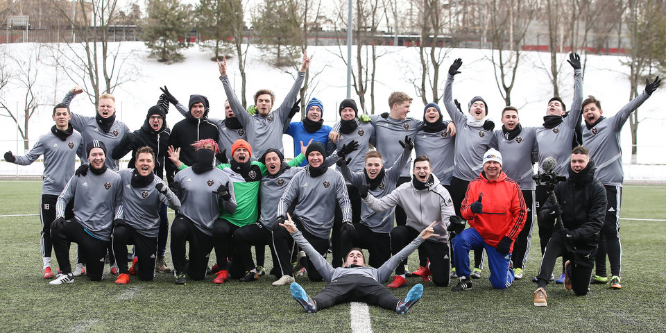 Зачем блогеры идут в реальный футбол? Клуб «Амкал» завершил тренировочный сбор