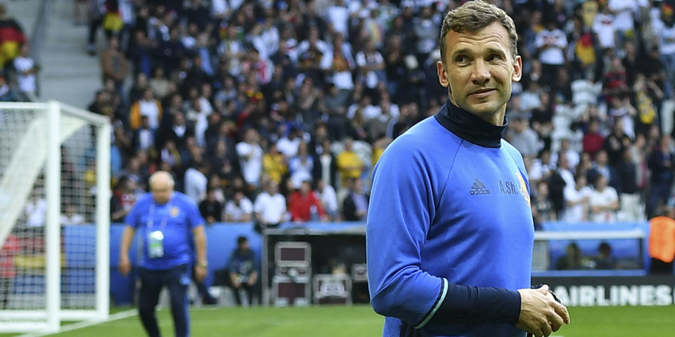 Шевченко поблагодарил команду и болельщиков сборной Украины