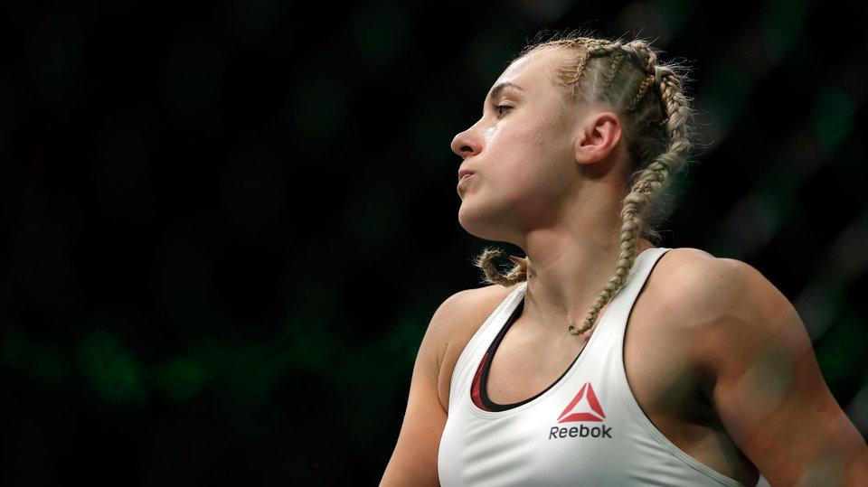 Куницкая подписала новый контракт с UFC
